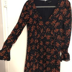 Floral dress with gathered waist!